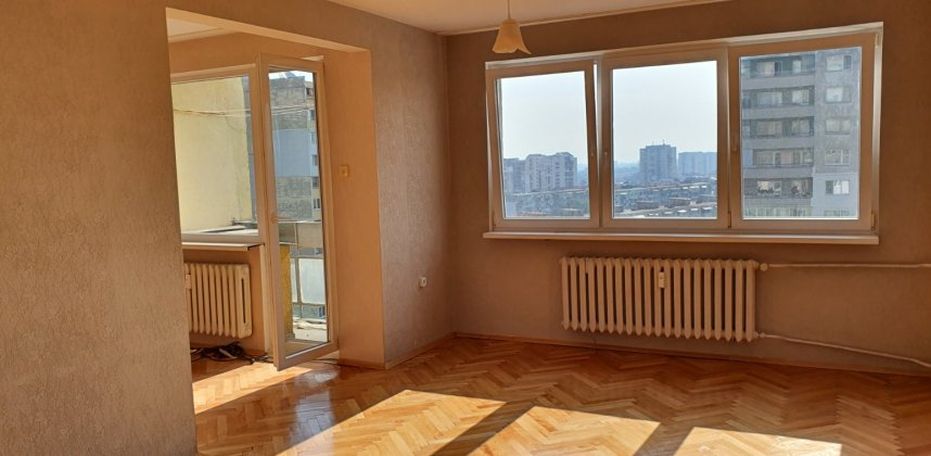 Тристаен апартамент в кв. Бъкстон