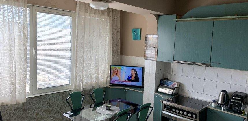 Двустаен апартамент в кв.Красна Поляна 1