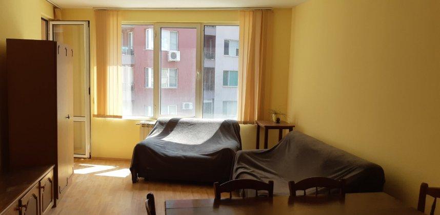 Двустаен апартамент в кв.Студентски град